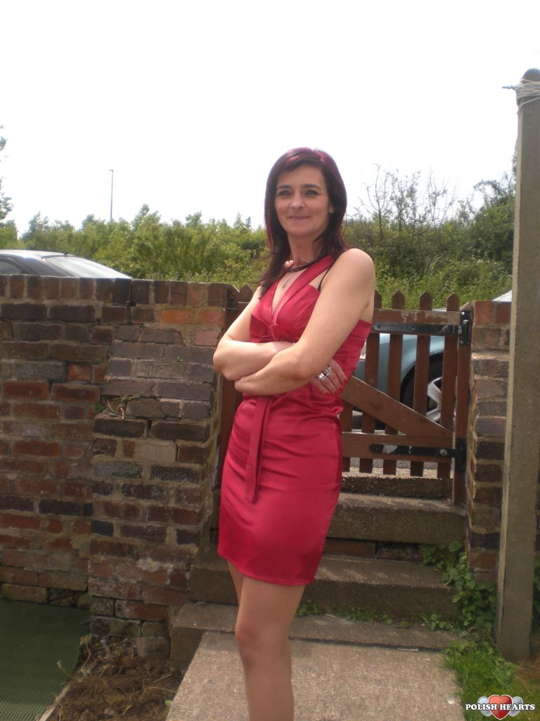 sandra88 dating uk Dating just for mature people meet fun, like minded people in your area for friendship or love join the leading senior dating site for people in their 40s, 50s and 60s and meet someone special.